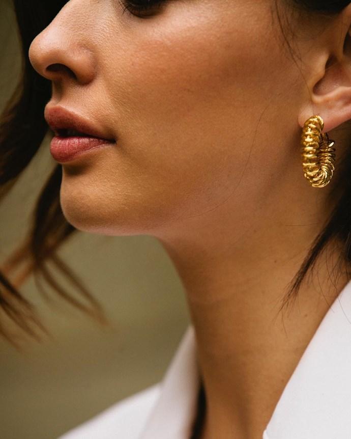"<p>Spiral Hoop Earrings, $120, <a href=""http://www.reliquiajewellery.com/store/spiral-hoop-earrings"">Reliquia Jewellery</a>. <p><a href=""https://www.instagram.com/p/BLPF4ROhB68/?hl=en"">Instagram.com/eleanorpendleton</a>"