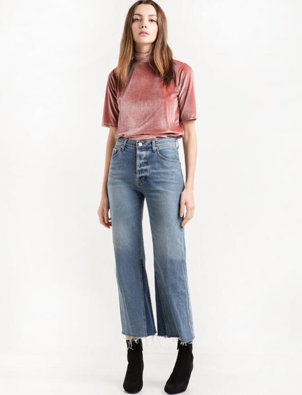 "<p> <a href=""http://www.pixiemarket.com/"">Pixie Market</a><p> <p> Just one look at Pixie Market and you could be forgiven for thinking you were perusing the racks at Zara. With a seemingly endless range, PM toes the line between fashion-forward detailing with asymmetrical hems, eyelets and feminine ruffles and ready-to-wear ease."