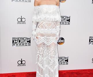 Gigi Hadid American Music Awards Red Carpet 2016