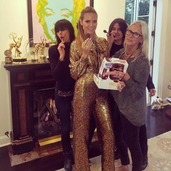 "Heidi Klum needed some pre-awards snacks. <br><br> Image: <a href=""https://www.instagram.com/p/BNDRPQhAoCj/?taken-by=heidiklum&hl=en"">@HeidiKlum</a>"