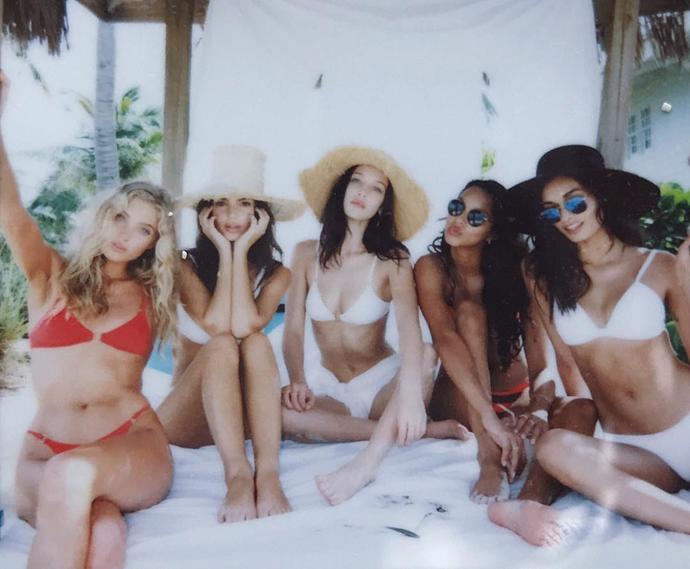 "Elsa Hosk, Emily Ratajkowski, Bella Hadid, Lais Ribeiro and Gizele Oliveira <br><br> Instagram: <a href=""https://www.instagram.com/p/BN4pKmvggon/?taken-by=giizeleoliveira"">@GiizeleOliveira</a>"