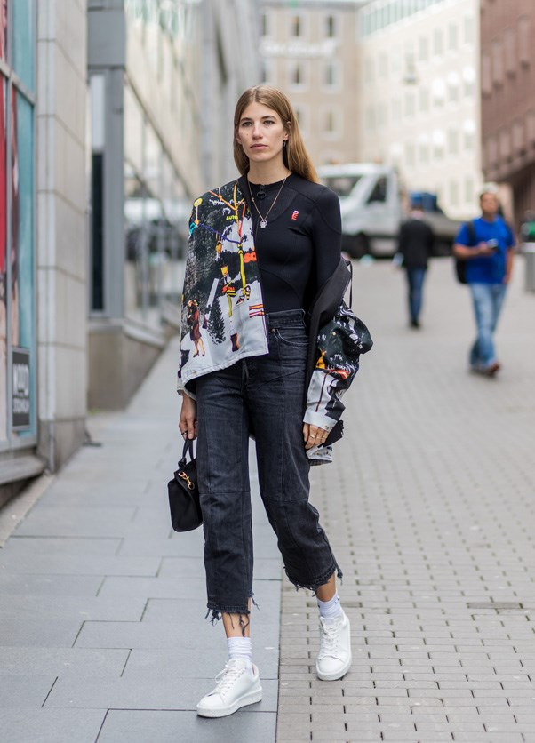 When in doubt, wear cropped jeans and white sneakers.