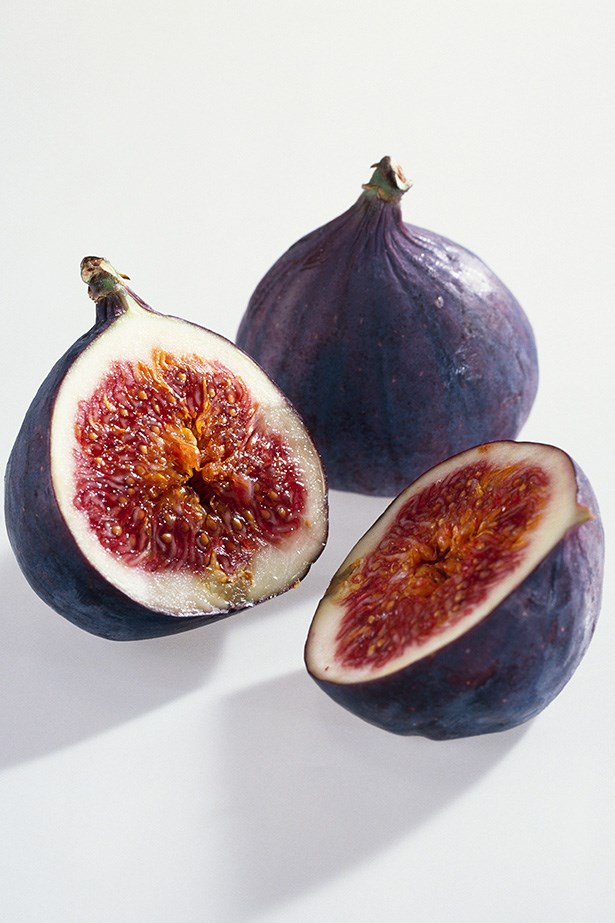 <strong>Fresh figs and a handful of cashews</strong> This snack is not only balanced in terms of carbohydrates, proteins and fat, it's also rich in magnesium. Adequate dietary magnesium may help support stress levels, making it a great afternoon snack option when you're on deadline!