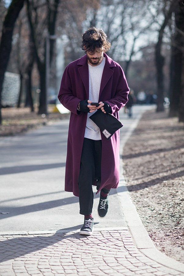 <strong>1. Understand that style exists in the small details</strong><br><br> This guy knows exactly what's up. How do I know this? Because his coat and his socks are the <em>exact same colour</em>. These things don't happen by accident, and they add a whole new level of cohesion and polish to an ensemble. Not wearing socks? No problem. Match your belt to your shoes, or your clutch to your lipstick.