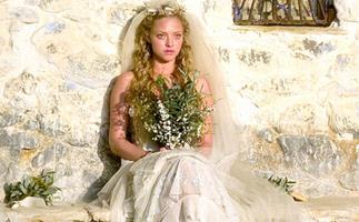 Amanda Seyfriend Wedding Dress