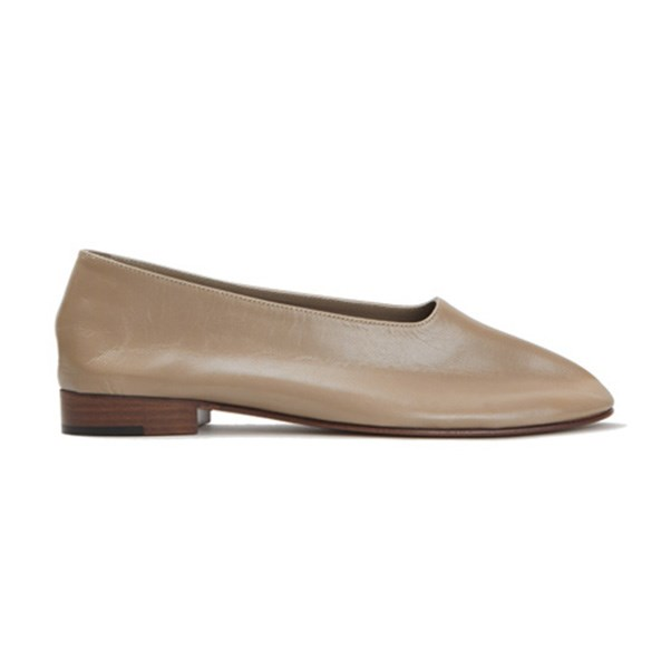 """<strong>Martiniano</strong><br><br> Buy: Martiniano shoe, $550, <a href=""""https://www.mychameleon.com.au/glove-shoe-champignon-p-4990.html?typemf=women"""">My Chameleon</a>"""