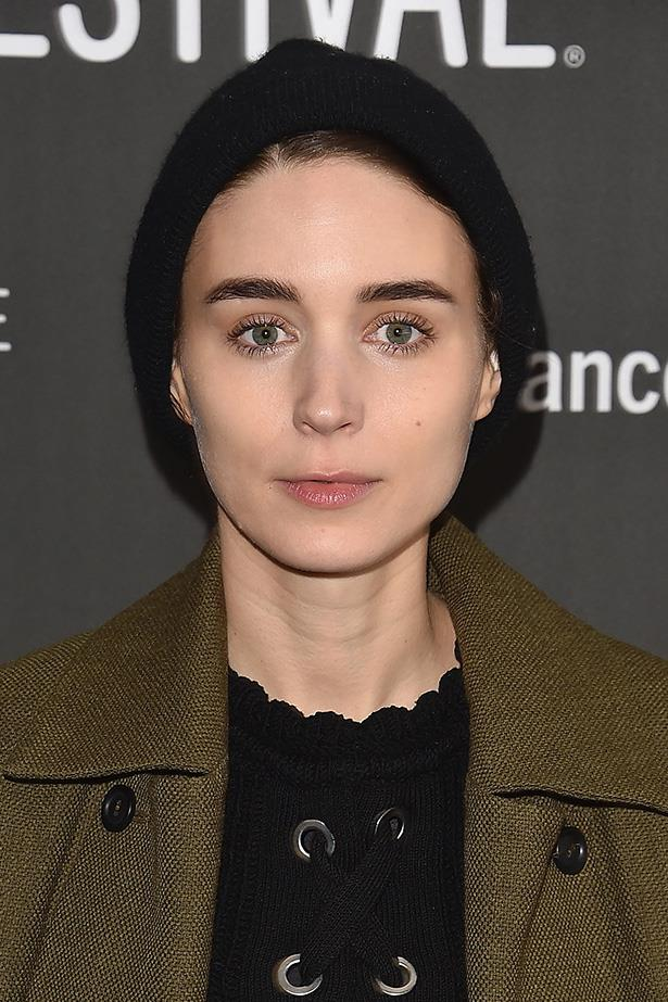 <strong>Rooney Mara</strong> <br> <br> This could be our favourite look of the lot. Rooney's swapped eyeliner for a subtle shimmer and two coats of mascara, opening her eye area right up. Her skin and brows are flawless as always.