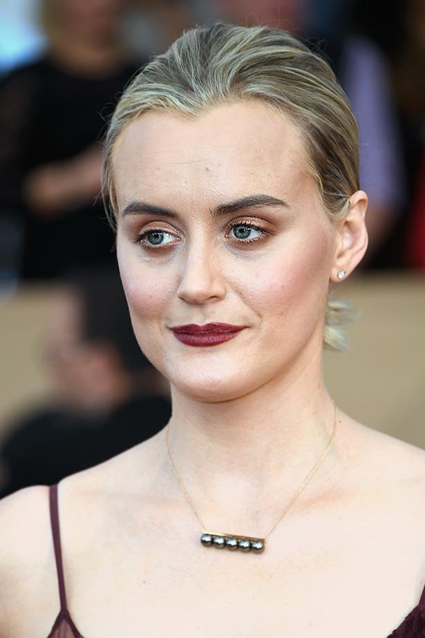 <strong>Taylor Schilling</strong> <br> <br> Her lips a little softer than Maisie's and Kate's, but equally punchy. Taylor's worked it back with loads of bronze eye shadow along the top and bottom lash lines, and just the right amount of blush across the apples of the cheeks.