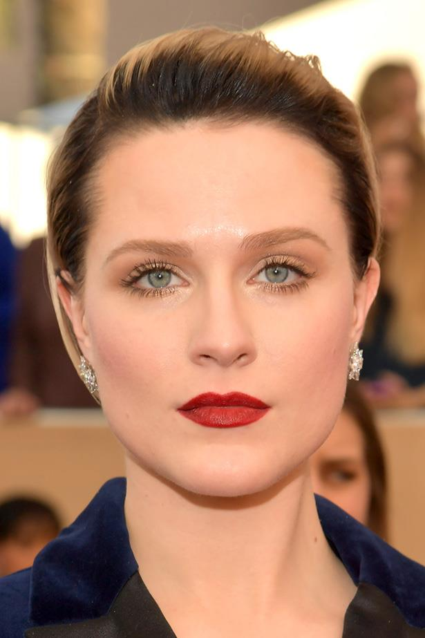 Evan Rachel Wood's won the award for best skin at the SAG Awards yesterday. The coverage is consistent yet anything but heavy, leaving us with one question. <br> <br> How on earth did she crack the full-coverage-that-still-appears-dewy foundation code? Great genes obviously help a lot, but it turns out she has a secret skin weapon too.