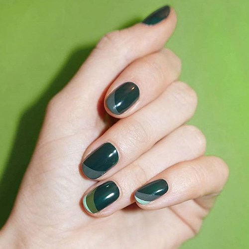"""<p><strong>Round</strong> <p><strong>What it looks like:</strong> Soft rounded with a flat edge at the tip. <p><strong>Best length: </strong>Short. <p><strong>Shade selection:</strong> """"Round nails are quite neutral and you can pull off bright and off-the-wall colours, like turquoise. Or try a more classic shade like a raspberry."""""""