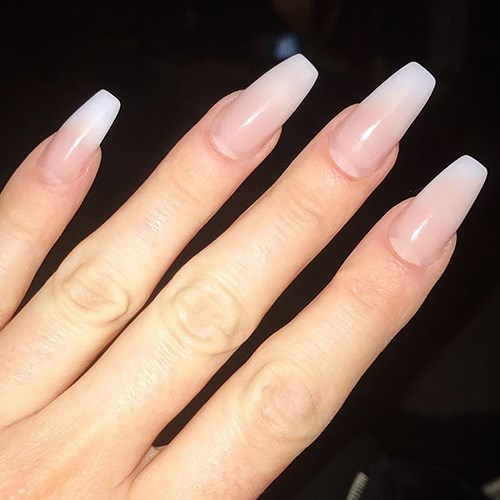 """<p><strong>Squareletto (aka coffin)</strong> <p><strong>What it looks like:</strong> Long, dramatically tapered nail with squared off tip. <p><strong>Best length: </strong>Like the almond shape, this nail looks best long. <p><strong>Shade selection: </strong>""""I love this nail shape with a matte greys or mauve or greige."""""""