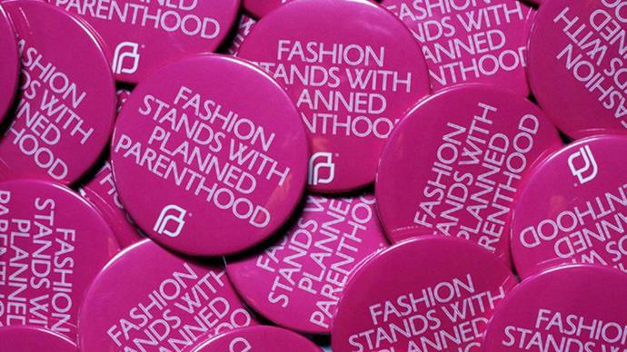 """<strong>NYFW supports Planned Parenthood</strong><br><br> The CFDA is showing their support for Planned Parenthood by handing out """"Fashion Stands With <a href=""""http://www.elle.com.au/fashion/instant-style/2017/1/chic-feminist-tshirts-for-a-cause/"""">Planned Parenthood</a>"""" badges during New York fashion week."""
