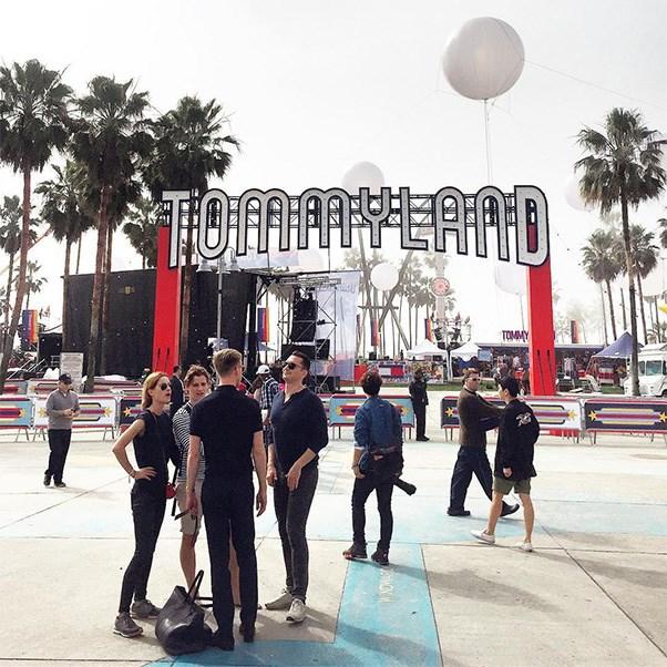 "<strong>The Tommyland Set</strong><br><br> Instagram: <a href=""https://www.instagram.com/p/BQRJvPqAXOD/"">@cri1216</a>"