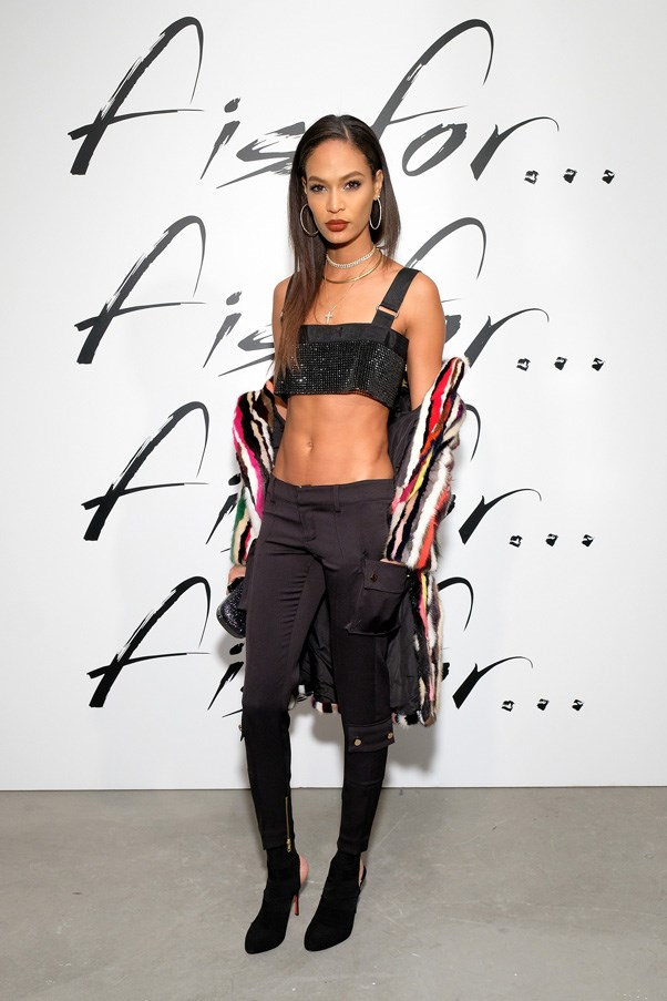 <strong><p>FENDI</strong> <BR><BR> Joan Smalls