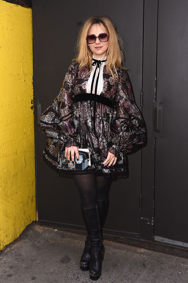 <p><strong>Marc Jacobs</strong> <br><BR> Juno Temple