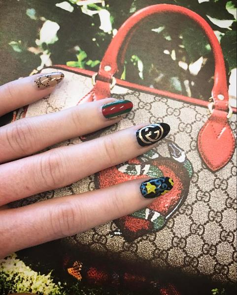 "Gucci nails by <a href=""https://www.instagram.com/p/BQeC9viF6Rt/"">@thedailynail</a>"