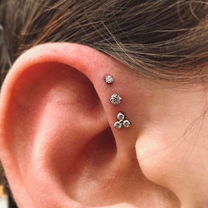 "<p><strong>Forward Helix</strong> <p>A forward helix piercing goes through the cartilage at the front of the ear. <p>Healing time: 6-10 months. <p>Image: <a href=""https://www.instagram.com/p/BQIfGb1g4WW/?taken-by=wklp"">@wklp</a>"