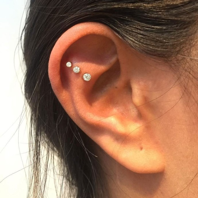 "<p><strong>Flat</strong> <p>A flat piercing sits through the 'flat' area of skin between your ear canal and cartilage. <p>Healing time: 6-10 months. <p>Image: <a href=""https://www.instagram.com/p/BQoW91aF85A/"">@maria_tash</a>"