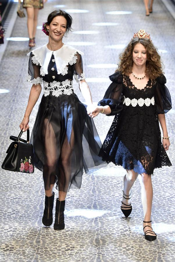 <p><strong>Marpessa and Ariel Hennick</strong> <p>This half-Dutch, half-Surinamese runway veteran now works for Dolce & Gabbana's couture house. Her daughter Ariel is 12 and has fantastic hair.