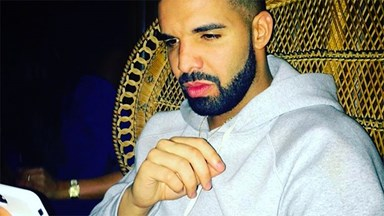Drake Appears To Be In The Middle Of This Justin-Weeknd-Selena Drama