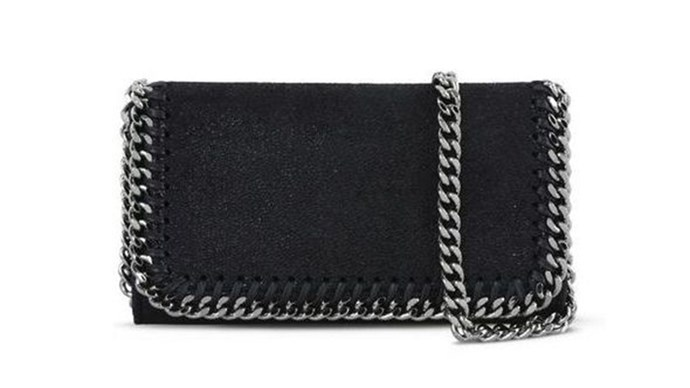 """<strong>Stella McCartney</strong> <p><p> Meanwhile, Stella McCartney has created the most genius invention ever. You can now keep your phone in a mini bag, YAAAAS Stella. No more juggling a trillion things in your hands at once. <p><p> <a href=""""https://www.farfetch.com/au/shopping/women/stella-mccartney-falabella-iphone-6-case-item-11811634.aspx?storeid=9847&size=17&origin=product-search&bfdqbt=&source=pla&gclid=CjwKEAjw8OLGBRCklJalqKHzjQ0SJACP4BHrYEDWrRlga9bTNRzB0cjKtZYlmyQAZB79xoz9uUS5GBoC2iXw_wcB&gclsrc=aw.ds"""">$820 AUD</a>."""