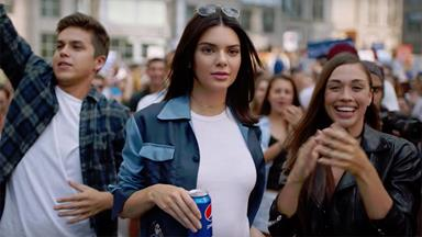 A Victoria's Secret Model Just Defended Kendall Jenner's Role In The Controversial Pepsi Ad
