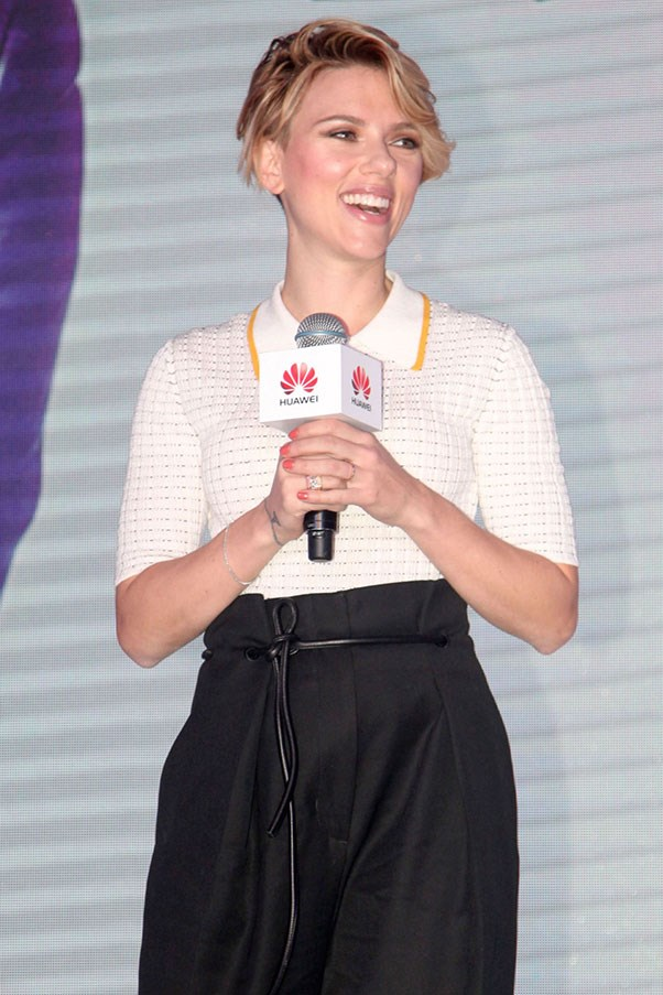 """<strong>SCARLETT JOHANSSON HALTS UNDERWEAR TALK</strong> <p><p> Dear interviewers, please stop asking Scarlett Johansson about her underwear. That should have been the lesson learned during the actress's press campaign for <em>The Avengers</em>. <p>Johansson played Black Widow, a superhero who wears a very tight black outfit (and kicks a lot of ass). <p> <a href=""""https://www.youtube.com/watch?v=DHxzxgwJTFc"""">Extra asked the actress</a> whether she wore undergarments with her costume, and Johansson was not interested. """"Is it inappropriate?"""" the reporter asked when things got awkward. """"To ask somebody what kind of underpants they wear?"""" Johansson replied quizzically. When pressed further to answer, Johansson simply replied, """"Overalls. You wear Dungarees,"""" and ended the query by asking, """" What kind of interview is this?'"""