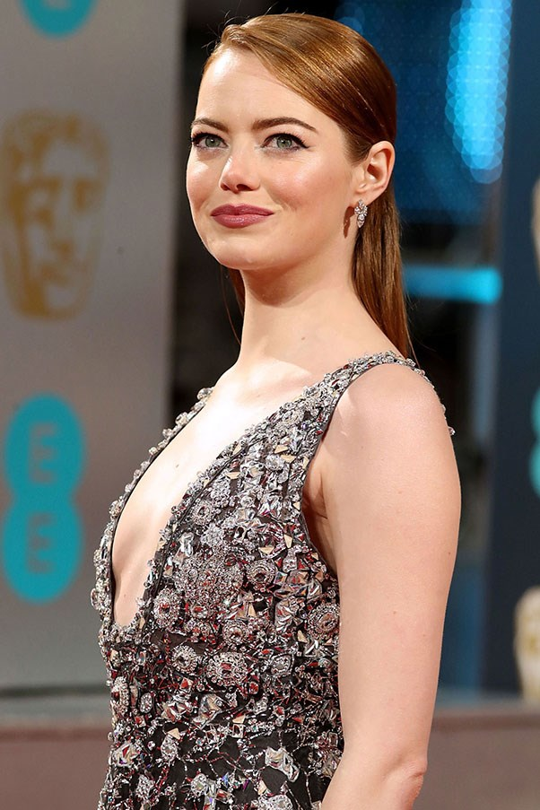 """<strong>EMMA STONE REFUSES TO BE DEFINED BY HER LOOKS </strong><p><p> We all know that Stone is a talented (Oscar-winning) actress, proven singer and dancer, and smart interviewee. But at the Oscar Nominees Luncheon in 2015, Stone wasn't having it when a reporter told her she looked good. """"You look beautiful as always,"""" the reporter said before posing a question. """"Oh thank you,"""" Stone zinged back. """"That's all that matters."""""""