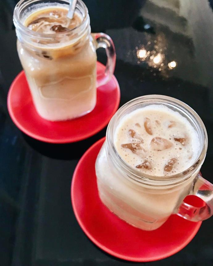 """<p><strong>Iced Latte</strong> <p>Your regular ol' latte—just iced! Why is it different? These are only good for hot summer days. <p> <em>Image: <a href=""""https://www.instagram.com/p/BSwso0nlX6q/"""">bnefoodie</a></em>"""