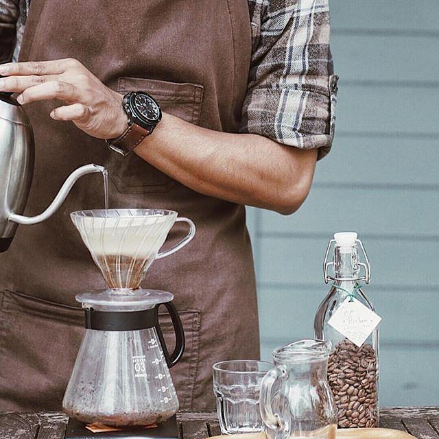 """<p><strong>Pourover</strong> <p>Pourover is slow boiling water poured over ground coffee. This extracts the coffee flavours using a more gentle process for a balanced flavour. <p> <em>Image: <a href=""""https://www.instagram.com/p/BS-x1E0jemm/?hl=en"""">hariov60</a></em>"""