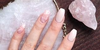 Quartz Nail Beauty Trend
