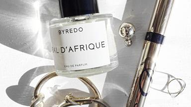 Women Prefer To Wear Masculine Fragrances, New Research Finds