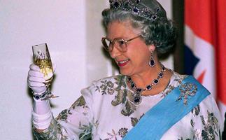 Queen Elizabeth Champagne