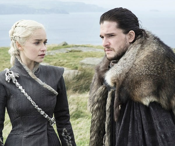 how are jon and daenerys related?