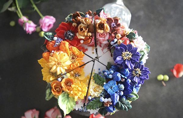 These Cakes Will Upstage Your Wedding Bouquet