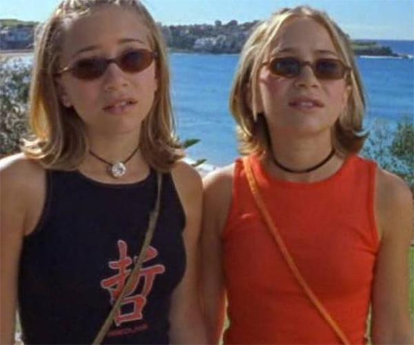 Young Olsen twins