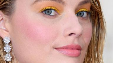 5 Ways To Re-Work 2000's Pastel Eyeshadow, According To The A-List