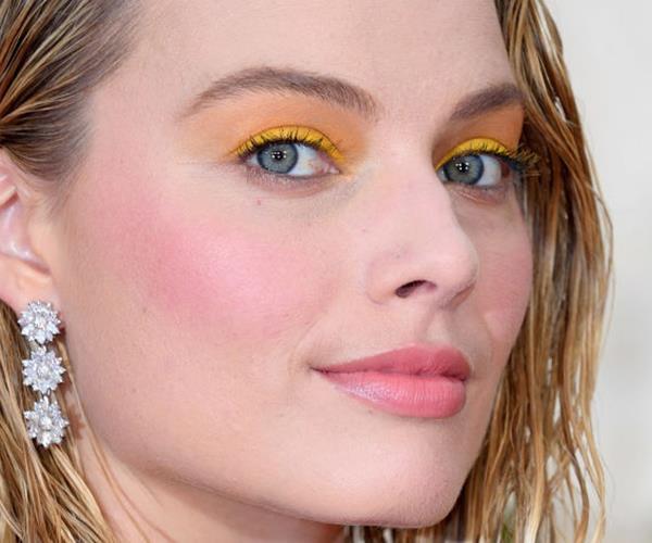 Margot Robbie 2017 yellow eyeshadow