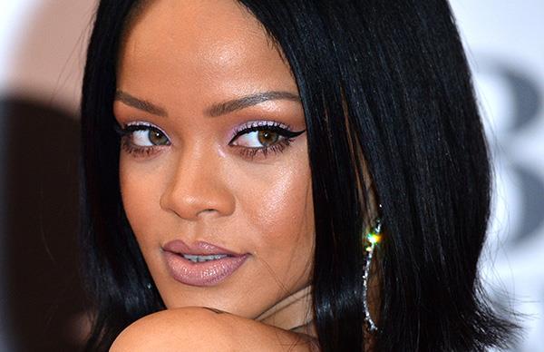 Rihanna Fenty Beauty makeup