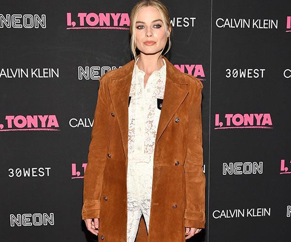 Margot Robbie I Tonya Press Style