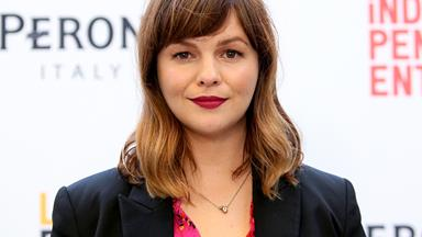 Amber Tamblyn Shoots Down Rose McGowan Over Golden Globes Protest Comments
