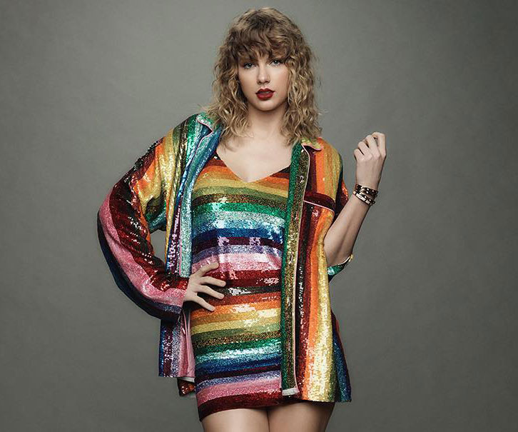 Taylor Swift Helped A Once-Homeless Pregnant Fan Buy A House