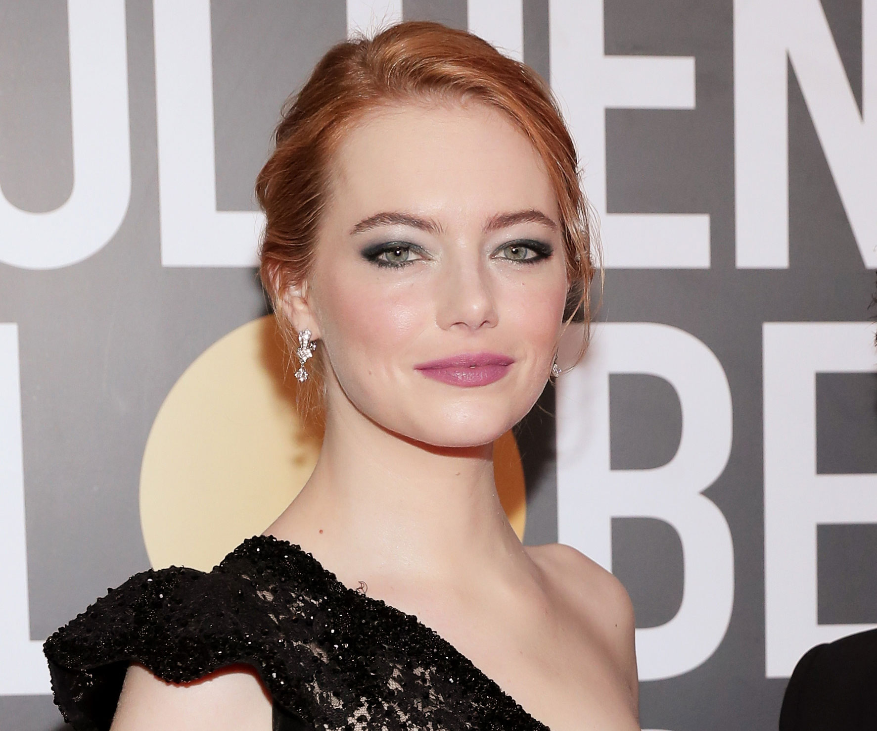 Emma Stone's Golden Globe Makeup Had A Hidden Meaning