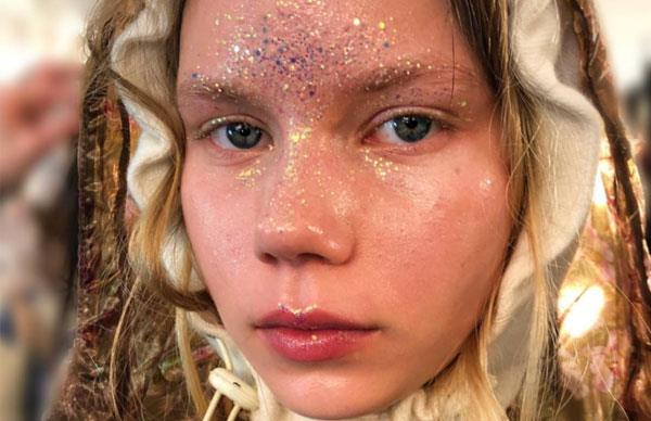 MAC Are Launching The Iridescent Mermaid Glitter Seen At London Fashion Week
