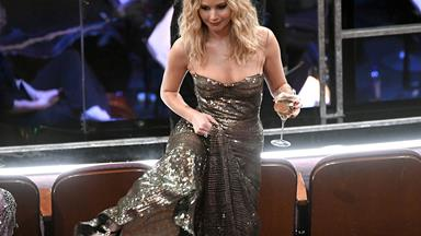 Jennifer Lawrence Is Already Having The Time Of Her Life At The 2018 Oscars