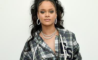 Rihanna Told Everyone To Delete Snapchat, So Now Everyone's Deleting Snapchat