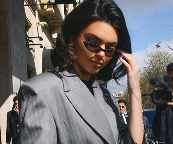 Kendall Jenner street style at the airport.