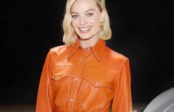 margot robbie red carpet outfits