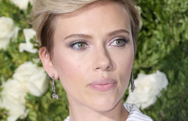 Scarlett Johansson Colin Jost Red Carpet Debut