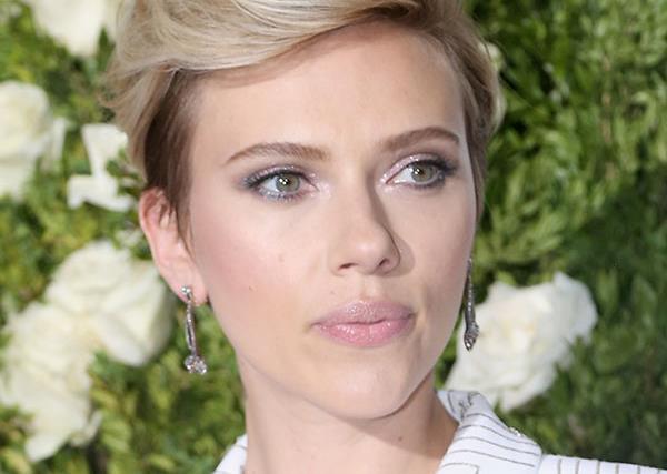 Scarlett Johansson Colin Jost Red Carpet Debut
